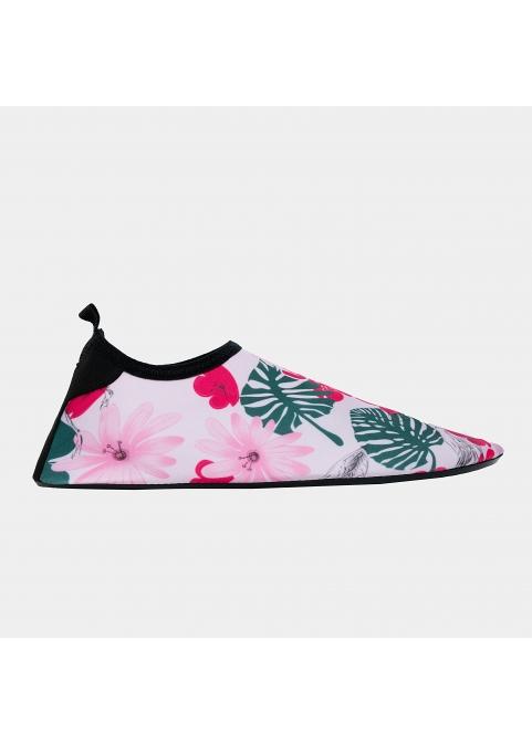 Women, flowers in pink