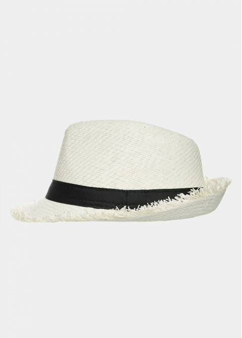 Ecru fedora with loose strands and black strap