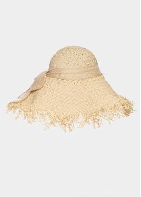 Beige hat with loose strands