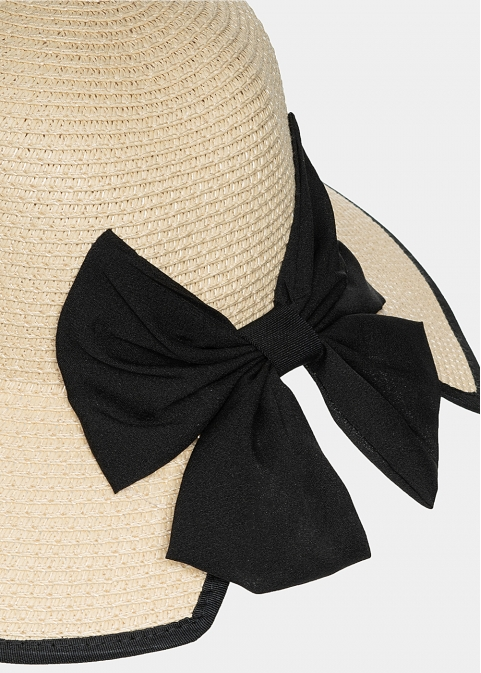 Beige hat with big bow